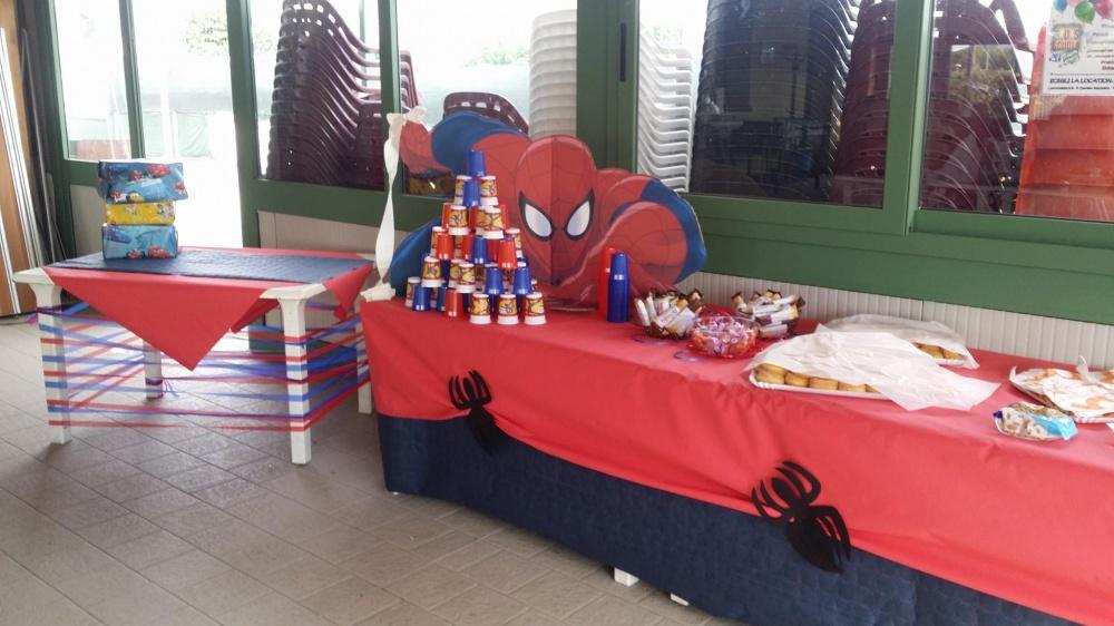 allestimenti di tavoli per il compleanno